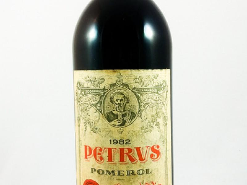 WAT ALS je begin jaren tachtig 10 kisten Pétrus 1982 gekocht had?