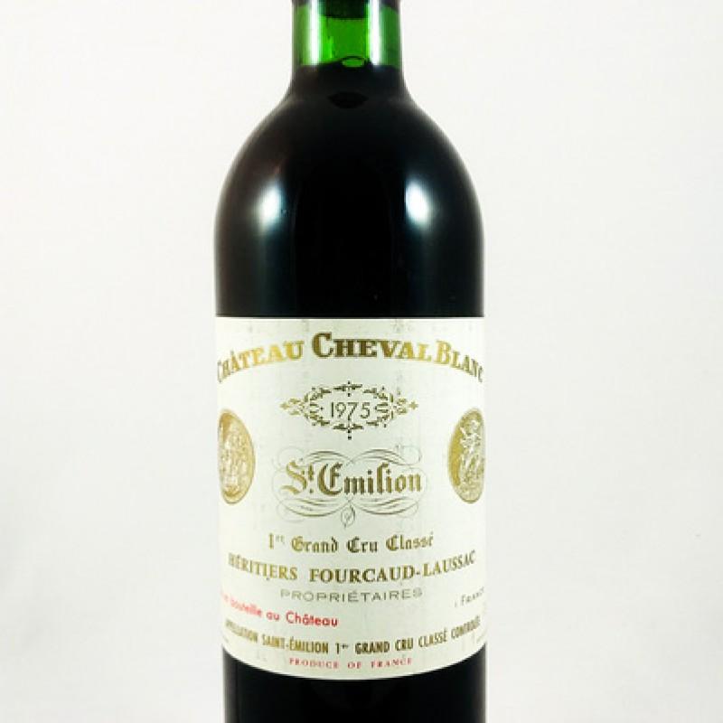 Château Cheval Blanc -- Saint-Émilion -- 1er Grand Cru Classé A -- 1975 -- 75 cl